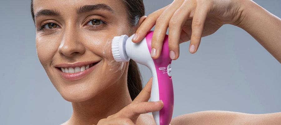 Choisir sa brosse nettoyante pour visage